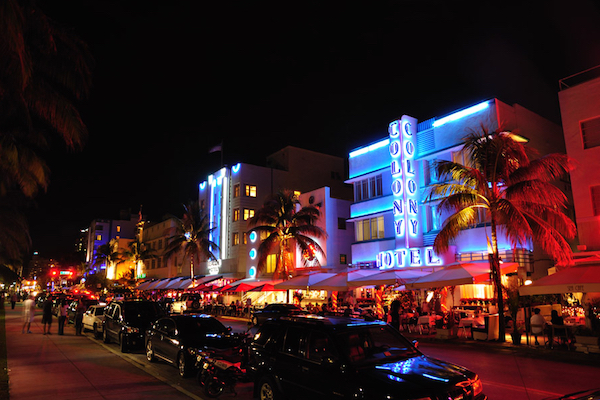 ocean-drive-miami-beach-florida-1